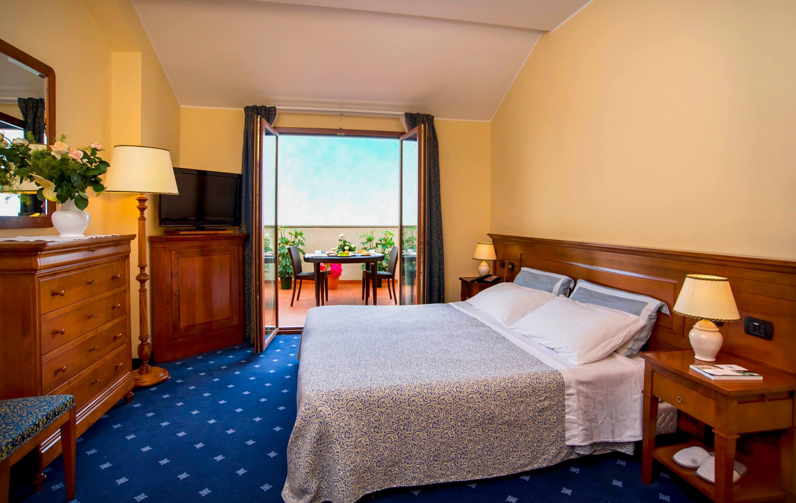 suite con vasca idromassaggio terrazza e vista