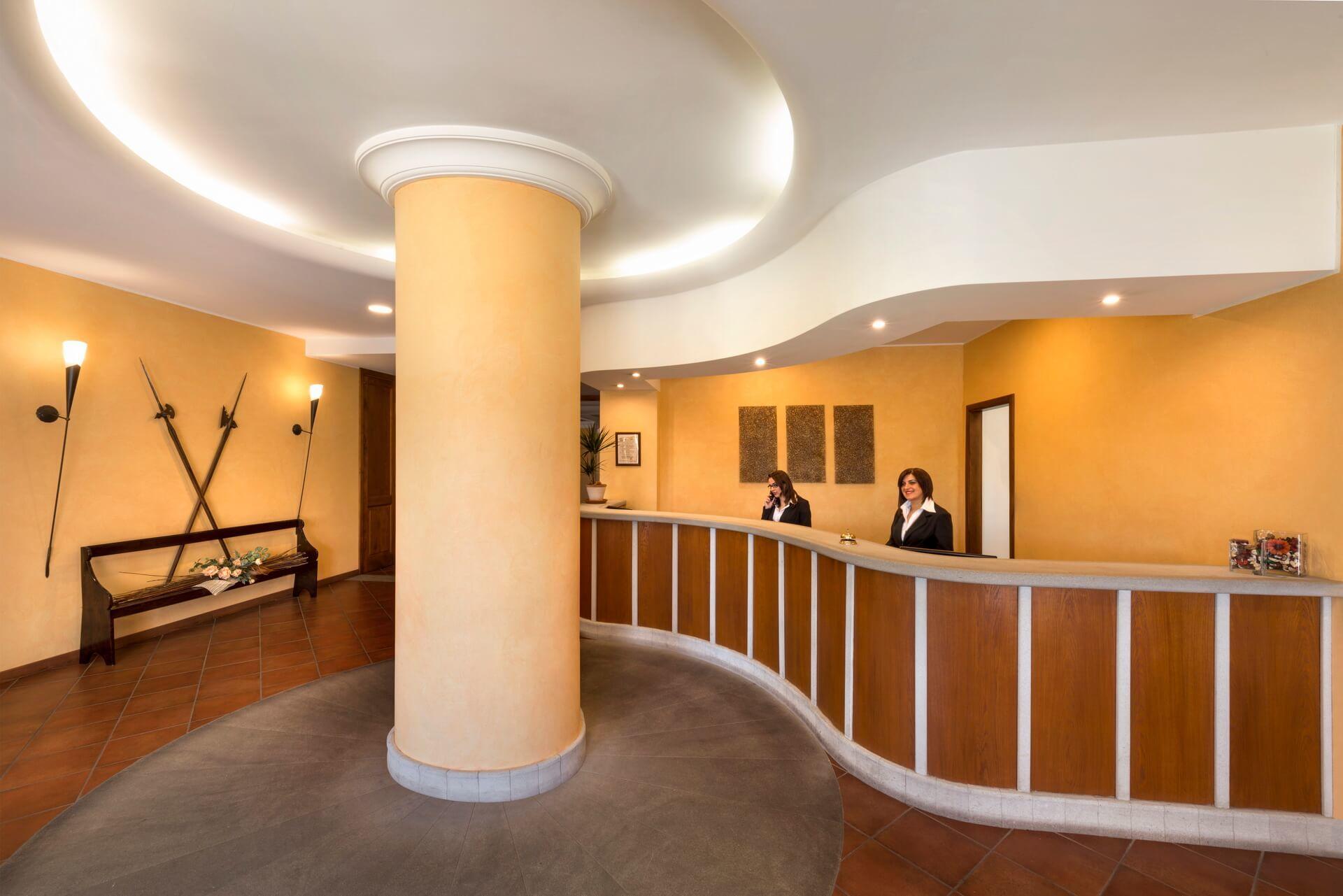 Montalbano Hotel Reception 02